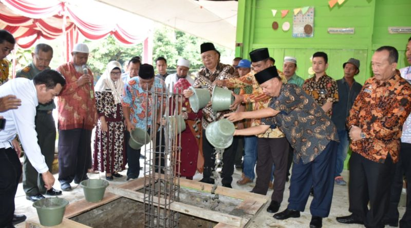 Bupati Sergai Letakkan Batu Pertama Renovasi SD Negeri 106224 Kerapuh