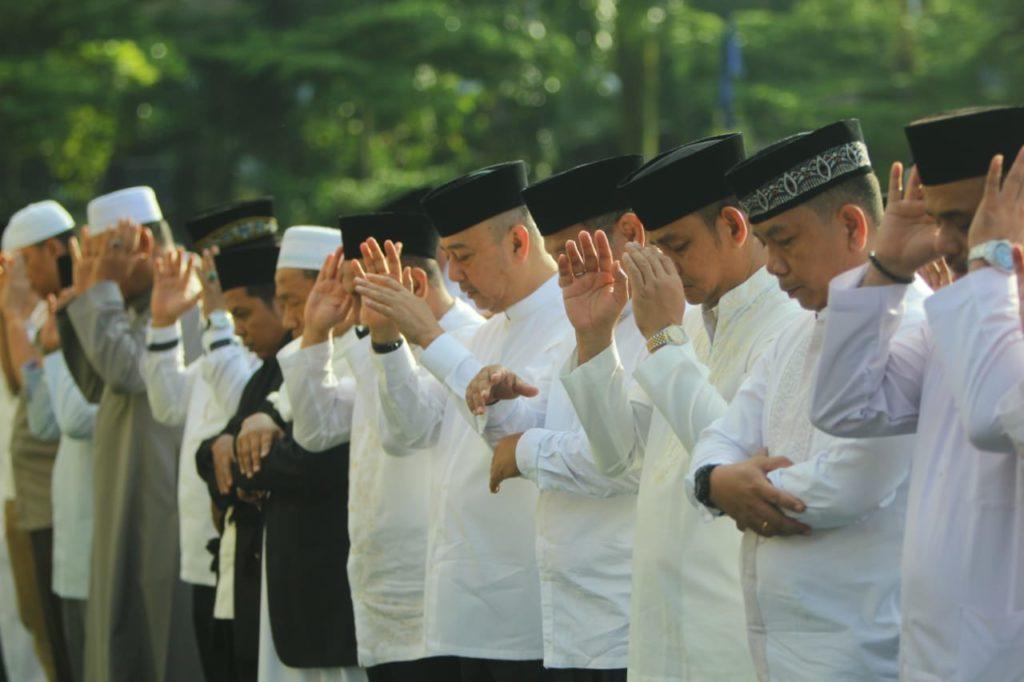 Walikota Medan Laksanakan Shalat Idul Adha (Gallery Foto)