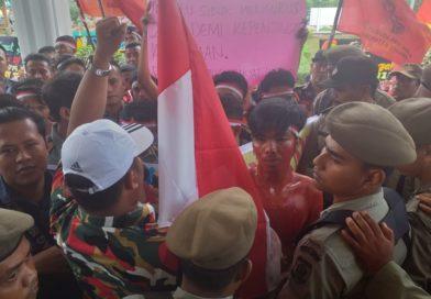 Demonstran Kecewa Plt Bupati Asahan  Takut Hadapi Pendemo