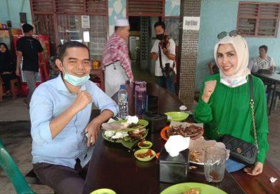 Ihwan Ritonga – Fitriani Manurung Bertemu di Rumah Makan, Ada Apa ?